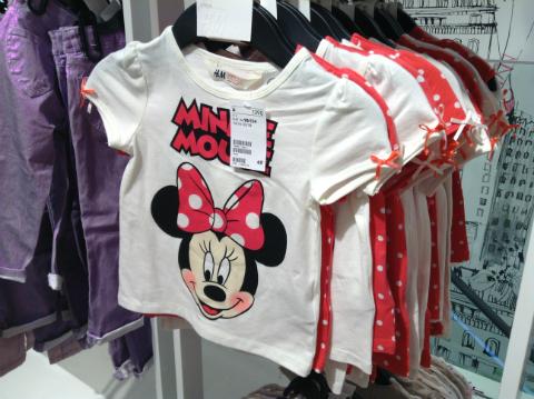 ミニーマウスTシャツ