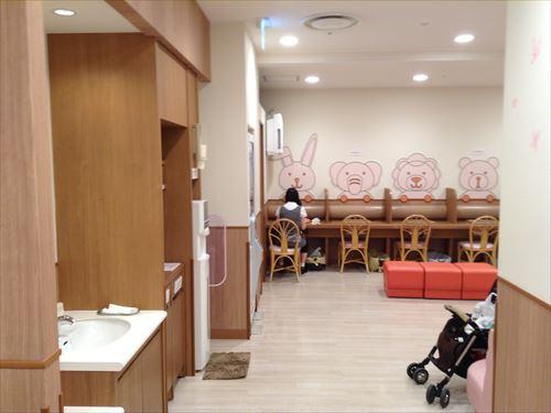 阪急百貨店ベビールーム