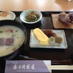 奈良・春日荷茶屋の庭園で、子供とゆったりとした食事がOK!万葉粥