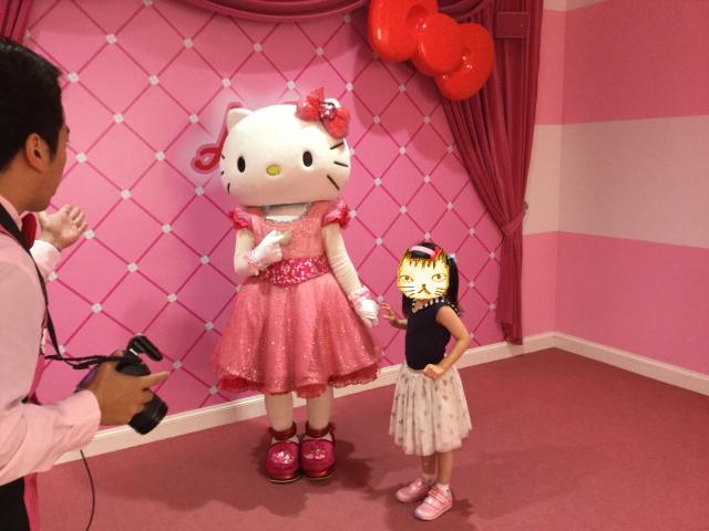 USJハローキティのリボンコレクション、キティちゃんと娘
