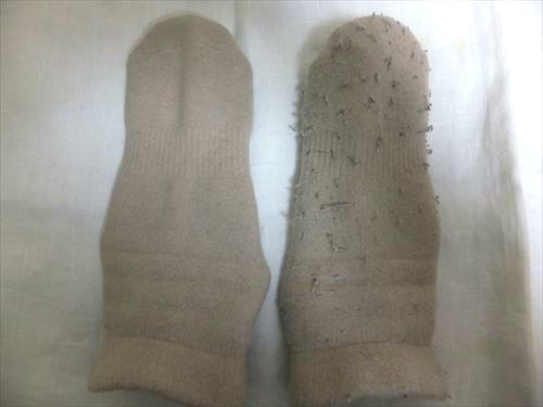 Tescom毛玉クリーナーKD778を使って毛玉取り、靴下の使用前と使用後を比較