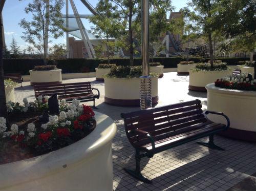 USJ入口付近のベンチ