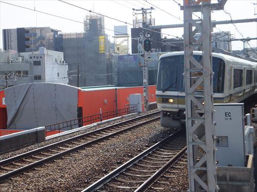 JR大阪環状線オレンジ色のビル、ビエラ玉造