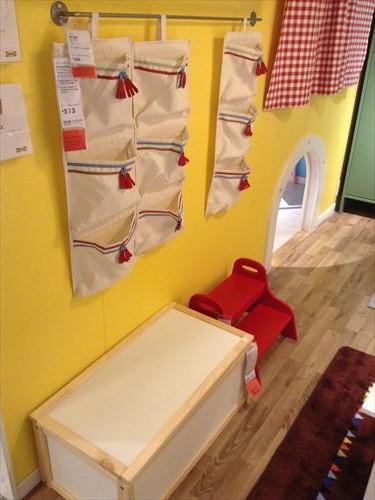 IKEA・子供部屋の収納グッズ・展示ブース