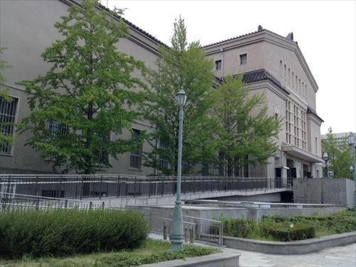 こども展・大阪市立美術館スロープ