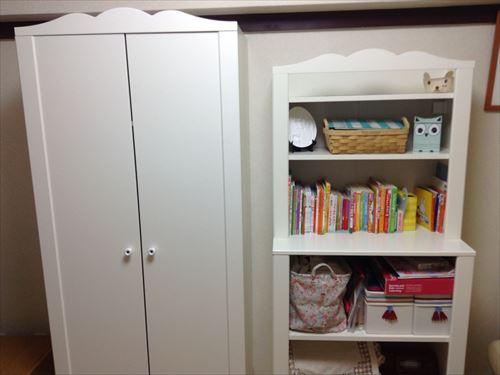 IKEAのヘンスヴィークのワードローブ(19,990円)とキャビネット・シェルフ・ユニット付き(11,990円)