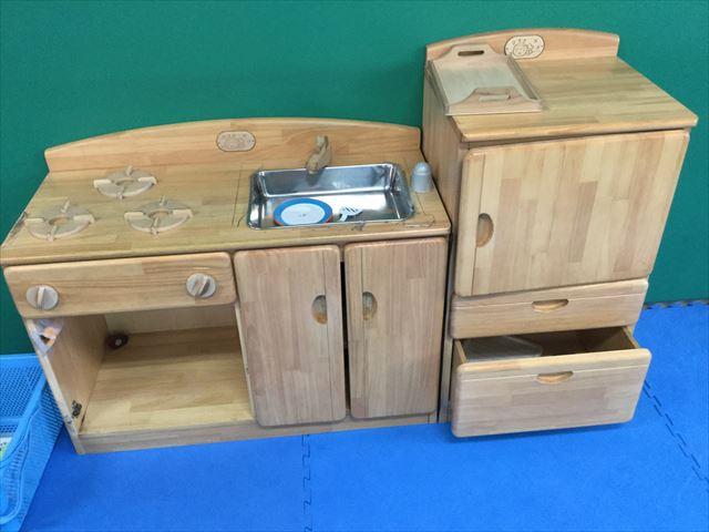 「こべっこランド」木の子供用キッチン