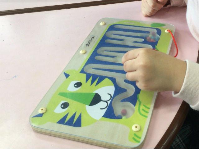 「こべっこランド」磁石で動くおもちゃ
