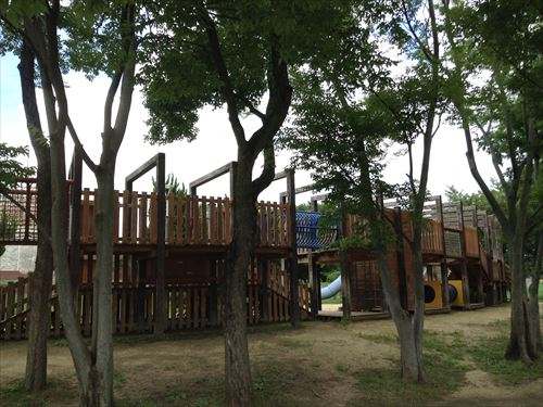 大泉緑地の大型遊具公園③「冒険ランド」アスレチック