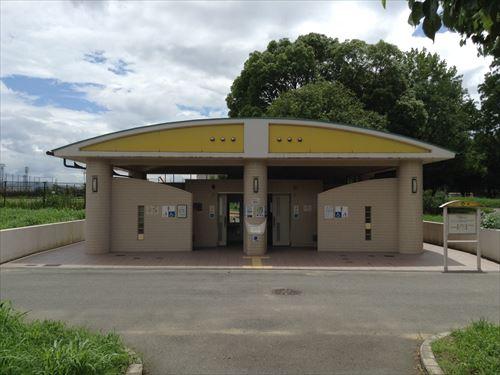 大泉緑地の大型遊具公園③「冒険ランド」トイレ