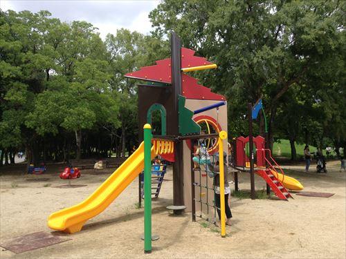 大泉緑地の大型遊具公園③「冒険ランド」