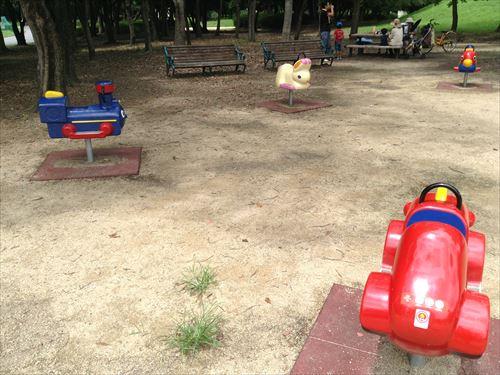 大泉緑地の大型遊具公園③「冒険ランド」乗り物