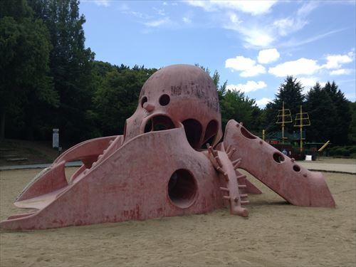 大泉緑地の大型遊具公園②「海遊ランド」たこ