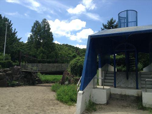 大泉緑地の大型遊具公園②「海遊ランド」橋と鯨