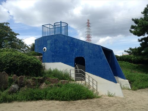 大泉緑地の大型遊具公園②「海遊ランド」くじら