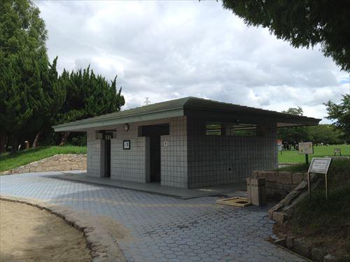 大泉緑地の大型遊具公園②「海遊ランド」トイレ