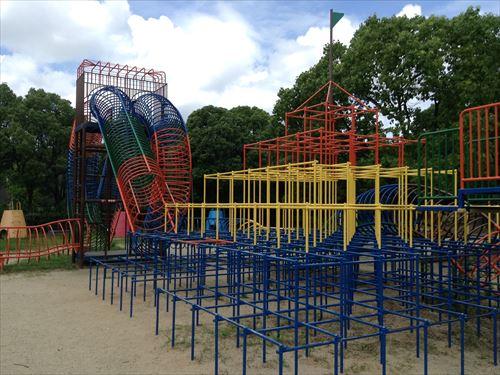 大泉緑地大型遊具公園①「わんぱくランド」特大ジャングルジム
