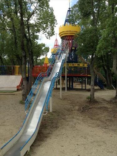 大泉緑地大型遊具公園①「わんぱくランド」ロング滑り台②