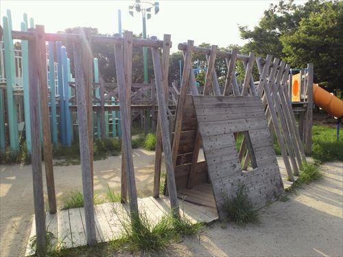 朝潮橋駅・八幡屋公園・木のトンネル