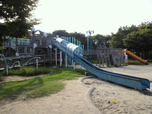 八幡屋公園・大型遊具・大型滑り台