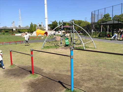深北緑地・ロケット広場・蜘蛛の巣風縄ばしご