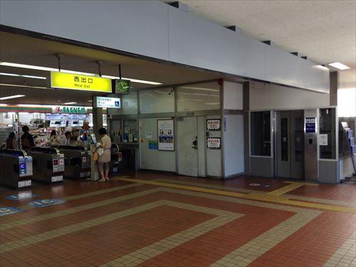 JR京橋駅西出口にあるエレベーター