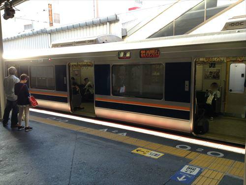 学研都市線(東西線)京橋駅ホーム