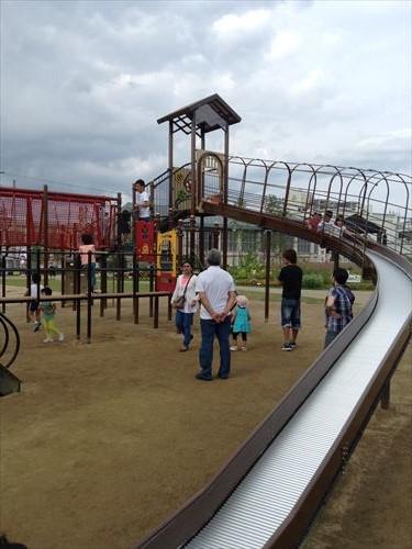 梅小路公園・すざくゆめ広場・大きな滑り台