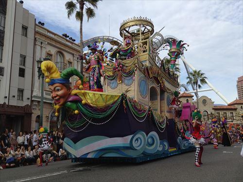 「パレード・デ・カーニバル」大きな船