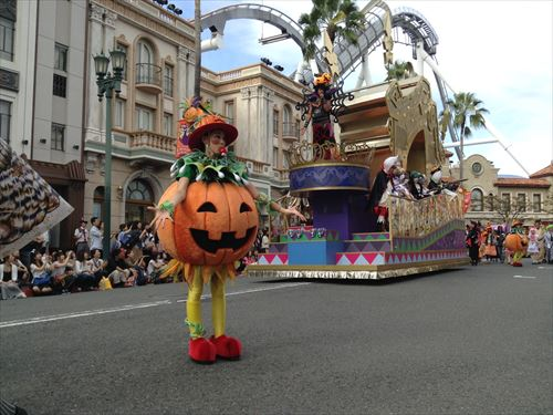 「パレード・デ・カーニバル」かぼちゃ登場