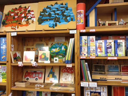 クレヨンハウス大阪店・2階・木のおもちゃコーナー