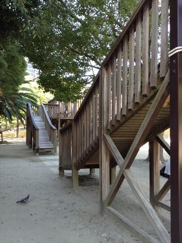 江坂公園の遊具・アスレチック