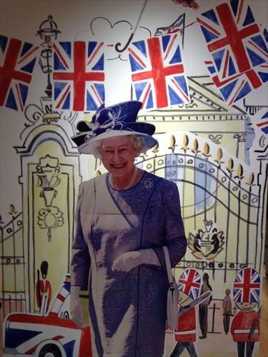 25ans プリンセスキャサリン妃 ロイヤルライフのすべて展・エリザベス女王