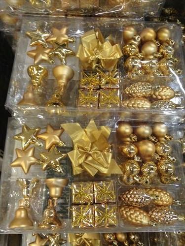 IKEAクリスマスオーナメント金色