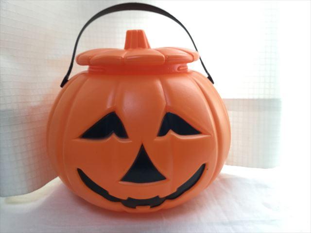 ダイソー、かぼちゃのお菓子入れ