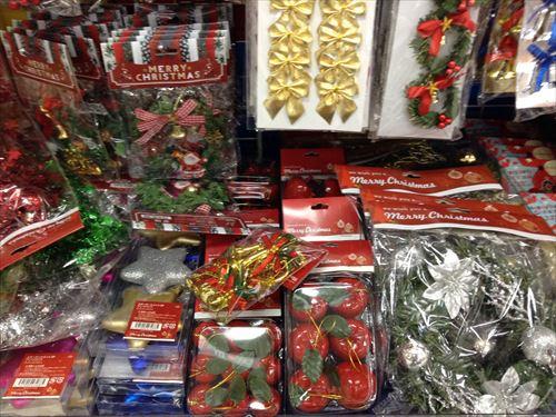 キャンドゥのクリスマスグッズ・クリスマスツリー&オーナメント