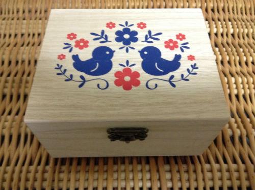ダイソーの小物収納ボックス