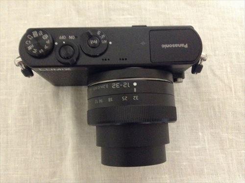 Panasonic デジタル一眼レフカメラ「LUMIX DMC-GM1K」を開封の様子・ズーム