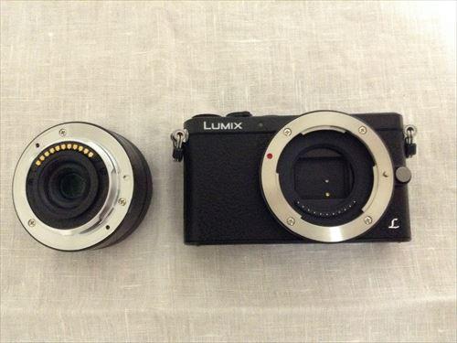 Panasonic デジタル一眼レフカメラ「LUMIX DMC-GM1K」レンズと本体