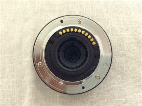 Panasonic デジタル一眼レフカメラ「LUMIX DMC-GM1K」を開封の様子・レンズを取り外した状態