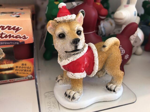 セリア「クリスマスグッズ」犬のミニオブジェ