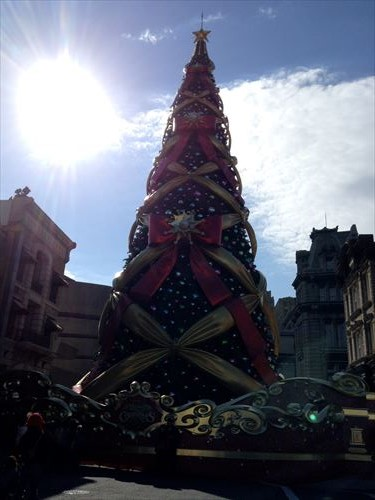 USJクリスマスデコレーション・巨大ツリー