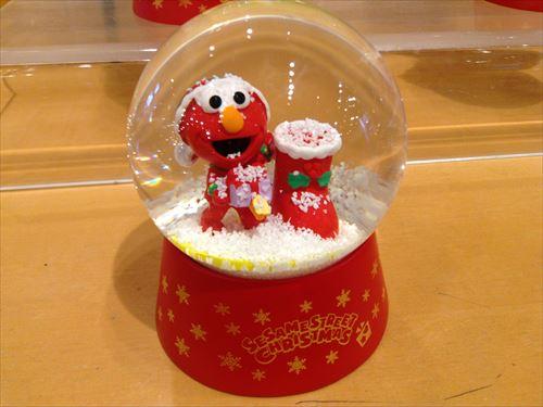 USJのクリスマスグッズ&プレゼント・エルモスノードーム