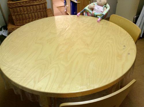 アルテックの丸テーブル・我が家の食卓
