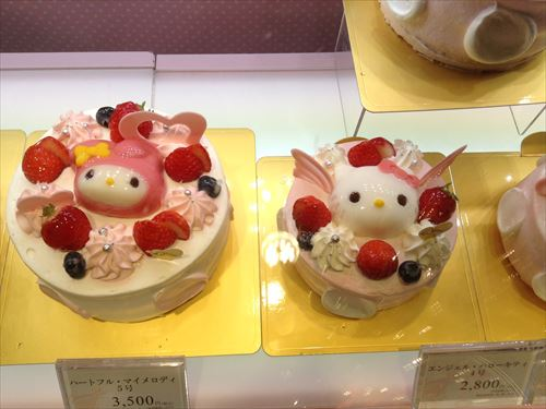 ベビーモンシェールのハローキティ&マイメロディのケーキ