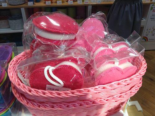 レインボースペクトラムのバレンタイン関連グッズ・ハートスポンジ