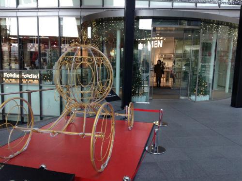 展示されているシンデレラの馬車