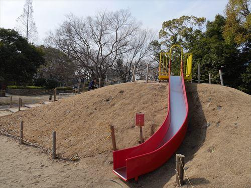 住吉公園児童遊戯場・6歳~12歳遊具・小学生向け・滑り台