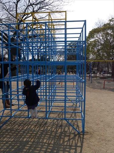 住吉公園児童遊戯場・3歳~6歳遊具・ジャングルジム