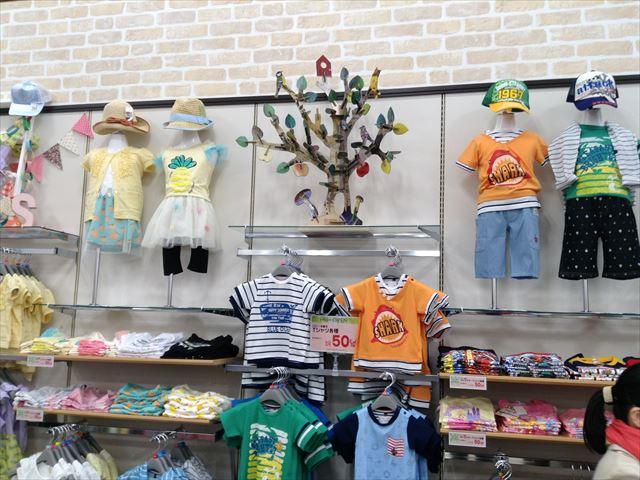 「セントラルスクエア・ライフ」森ノ宮店の様子・子供服